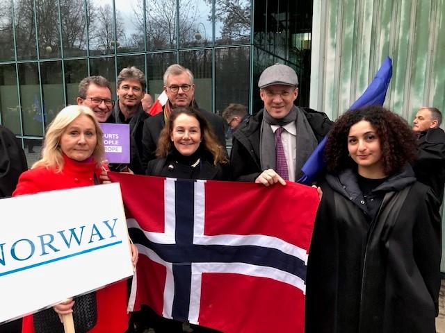 Norske jurister deltok under markeringen de 1000 kappers marsj i Polen (Foto: privat)